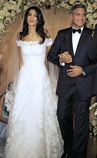 Amal-Alamuddins-Oscar-de-la-Renta-Wedding-Dress2